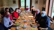 Záhada schůzky uZemana: jak jedlo 13VIP přesroušky?