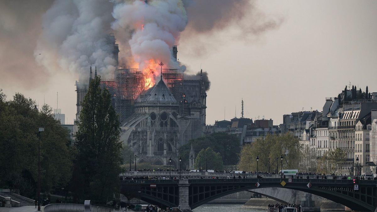 Když vPaříži hořela historie. Rok od ničivých plamenů vNotre-Dame