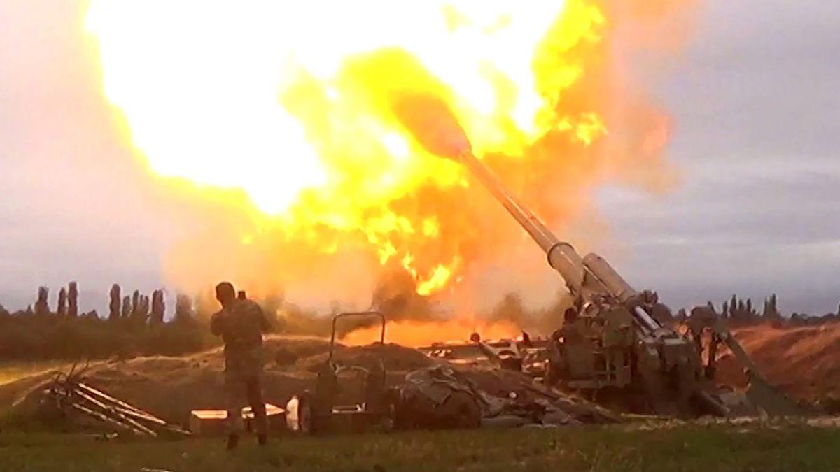 Boje vKarabachu pokračují. Země se obviňují zútoku na civilní oblasti