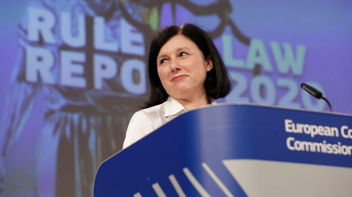 Maďarsko a Polsko znovu na unijním pranýři. Evropská komise kárá iČesko