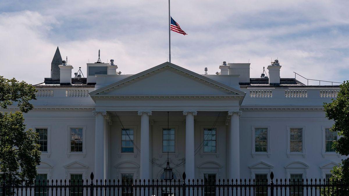 Do Bílého domu mířila obálka sjedem, odhalena byla včas