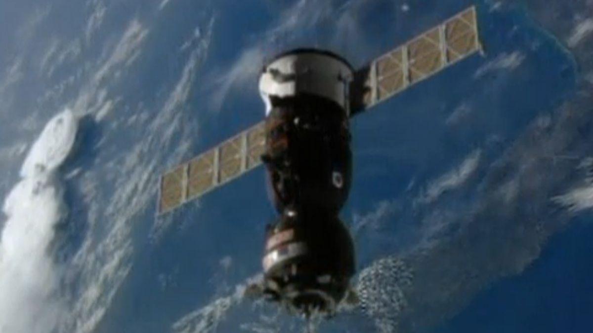 Ruský Sojuz se spojil sISS. Přivezl čtyři tuny zásob