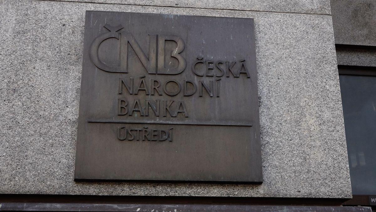 Cash Only: ČNB čeká tlak politiků a nejistota. Jak zareaguje prezident?