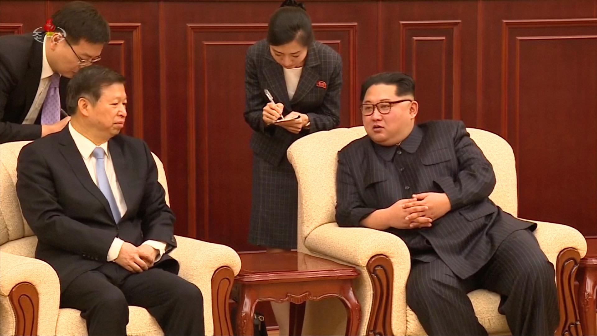 Trump potvrdil historickou schůzku Pompea s Kim Čong-unem