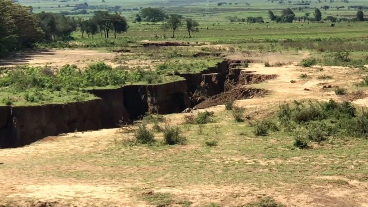 Trhlina v zemi jako důkaz rozdělení afrického kontinentu? Jen důsledek eroze, tvrdí expert