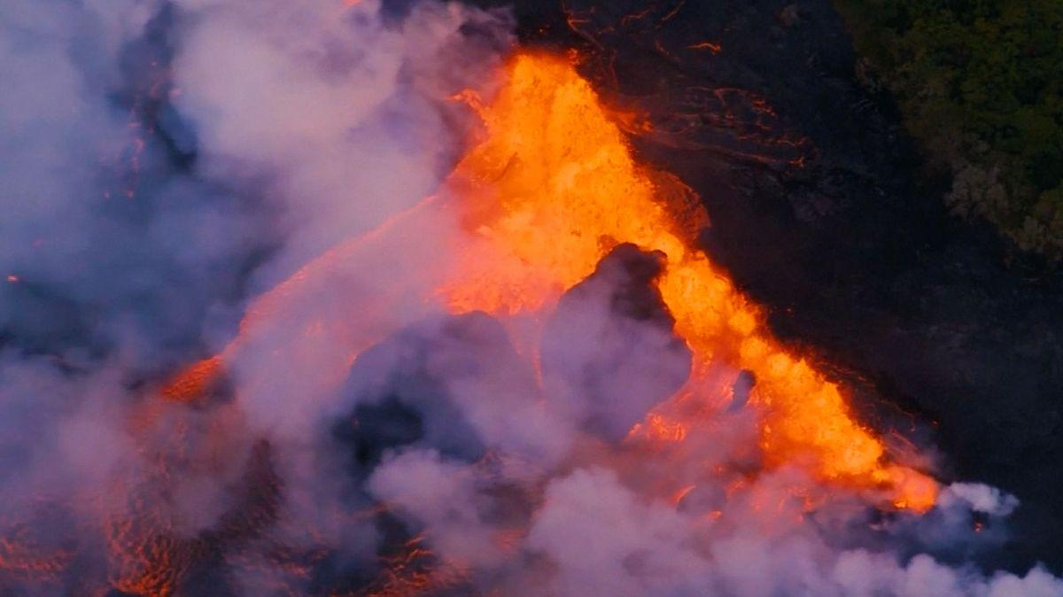 Video: Láva z havajské sopky se nebezpečně přibližuje k místní elektrárně