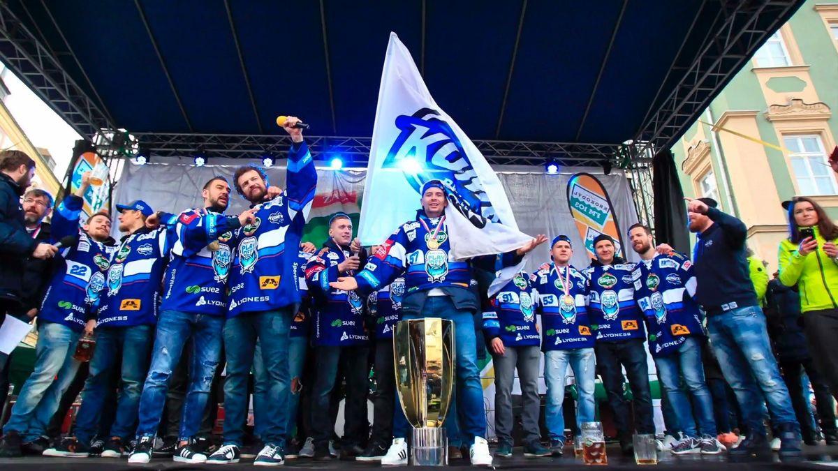 Začínají boje o mistra hokejové extraligy. Obhájí Kometa, nebo potvrdí Plzeň roli favorita?