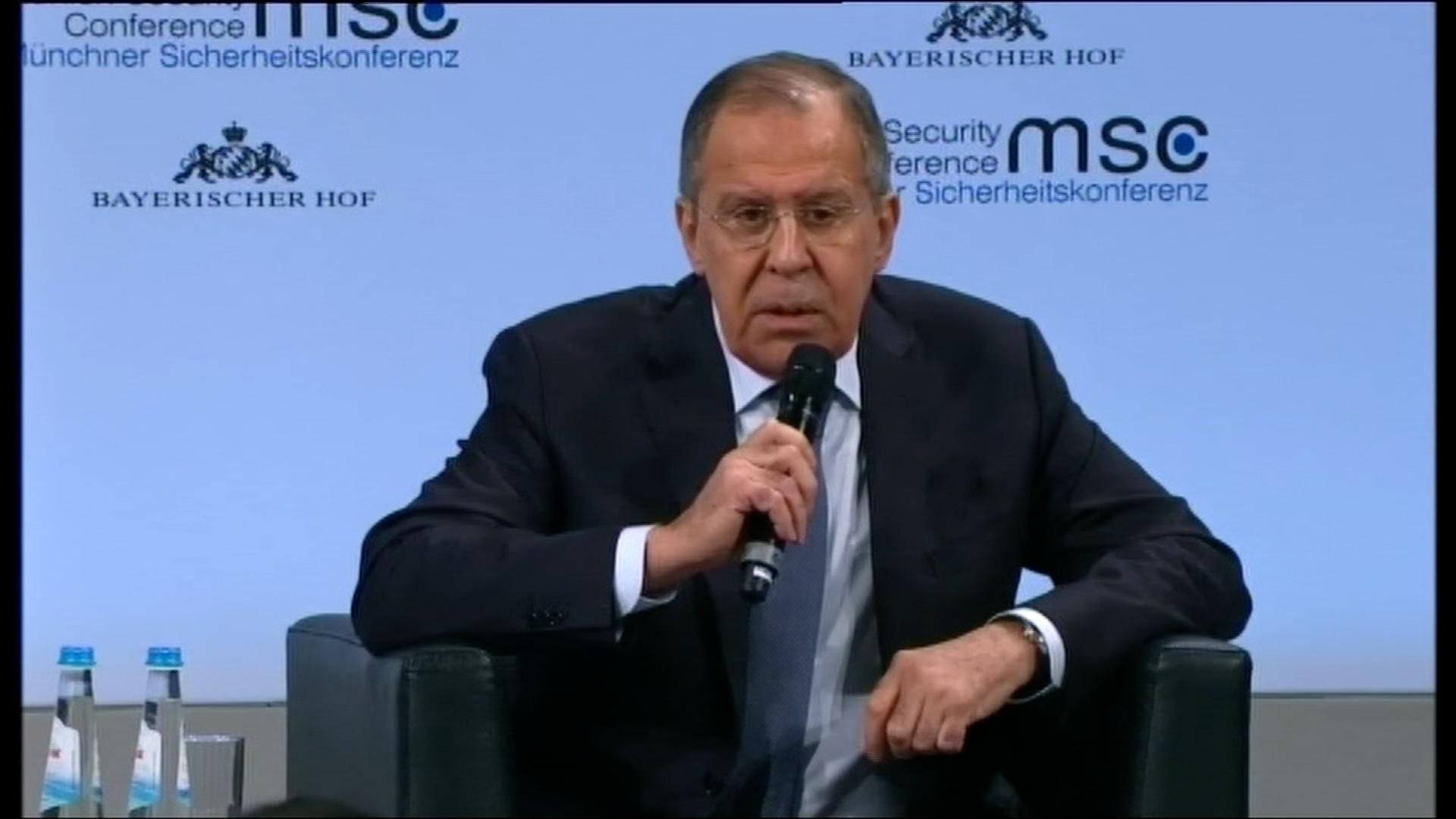 Jsou to bláboly, odmítl Lavrov obvinění FBI z ovlivňování amerických voleb