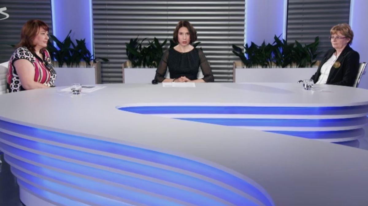 """Spása, nebo """"hurá akce""""? Ministryně si dojela na Ukrajinu pro ošetřovatelky a zdravotní sestry"""