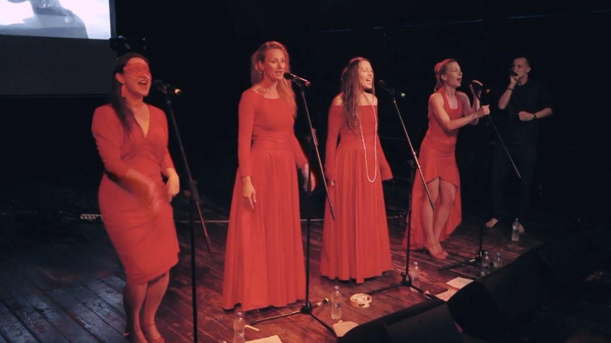 Yellow Sisters oslavily 13 let. Kromě toho jsou úspěšné i na sólové dráze