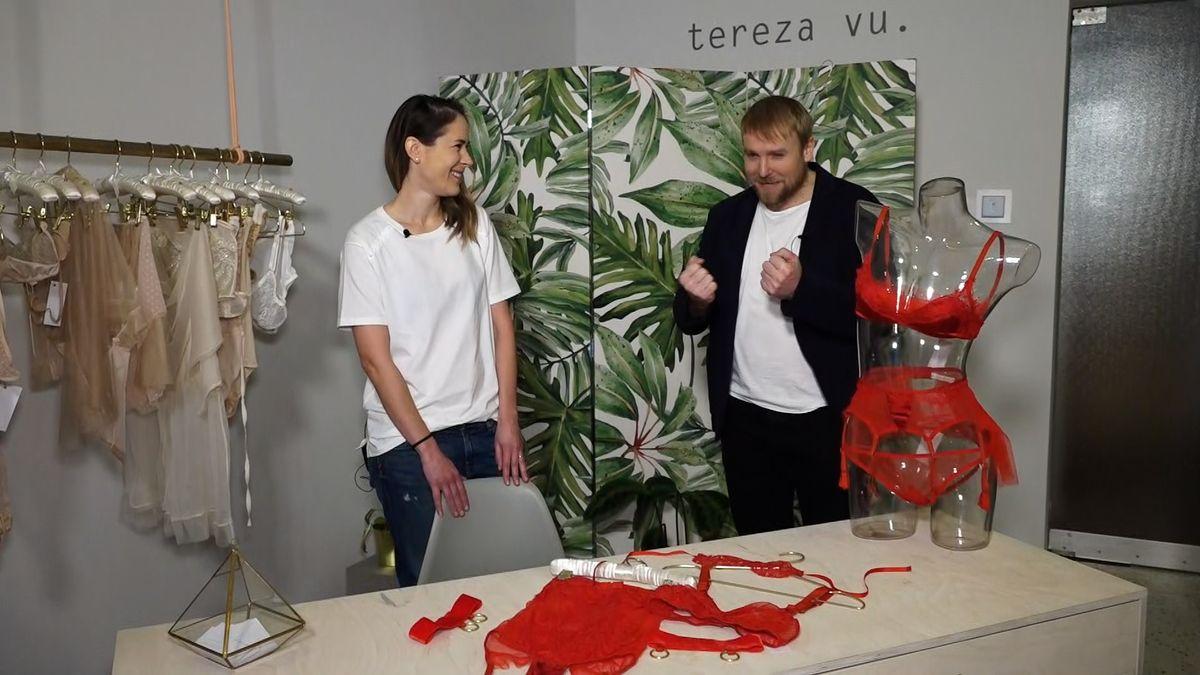 Muži pro ženy volí červené prádlo. Něžné pohlaví ale preferuje tělovou barvu