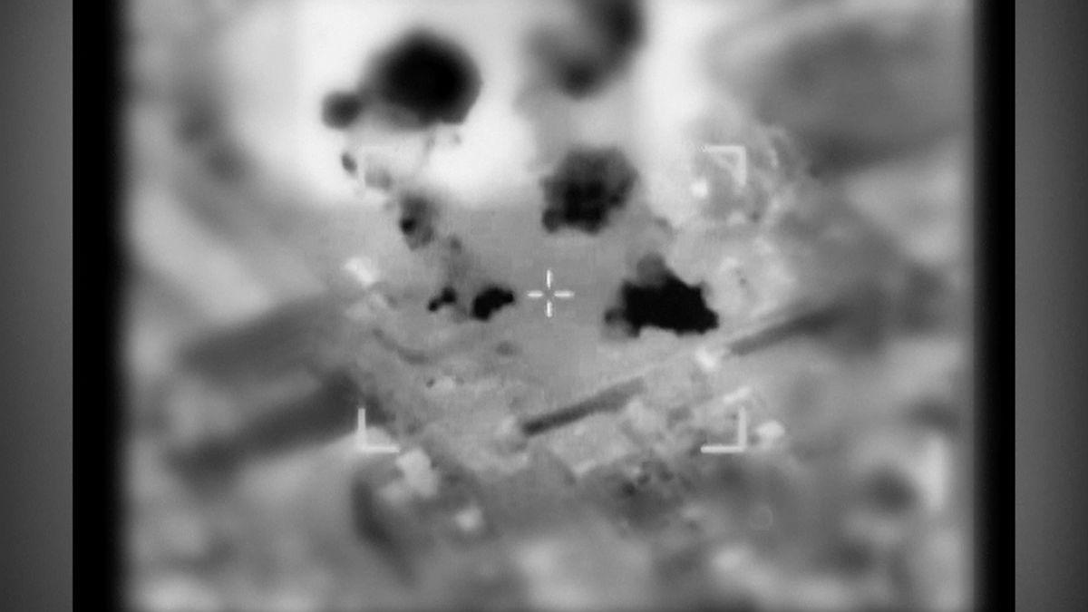 Odplata za hořící draky. Izrael bombardoval devět cílů Hamásu v Pásmu Gazy