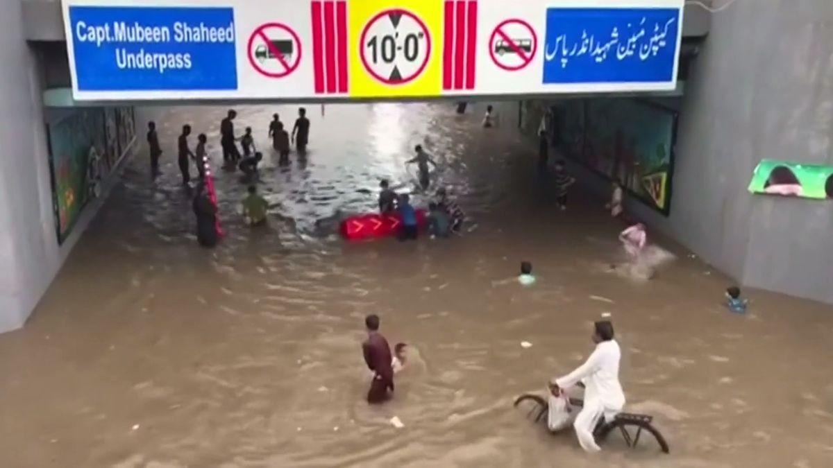 Pákistán zasáhly monzunové deště, nejsilnější za 38 let. Zemřelo nejméně 6 lidí