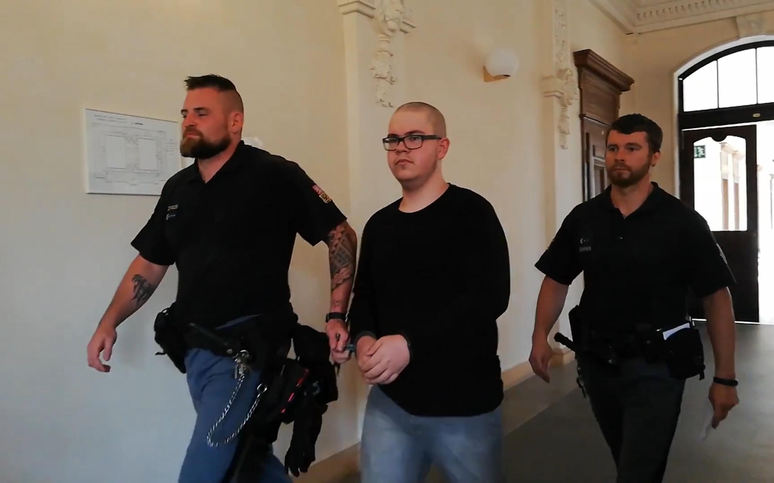 Zfetovaný mladík ukradl v Brně dva autobusy a jezdil po městě. Dostal patnáct měsíců