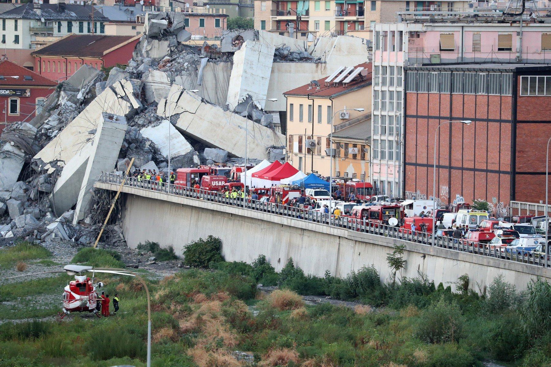 Vládnoucí Hnutí pěti hvězd označilo v roce 2013 varování před stavem janovského mostu za pohádku pro děti