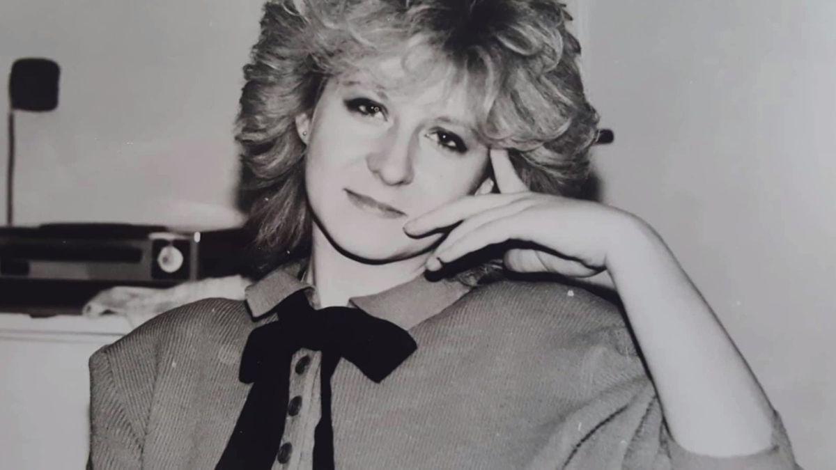 Móda v roce 1989: Frčela džínovina a značková trička. A pamatujete na ramenní vycpávky?