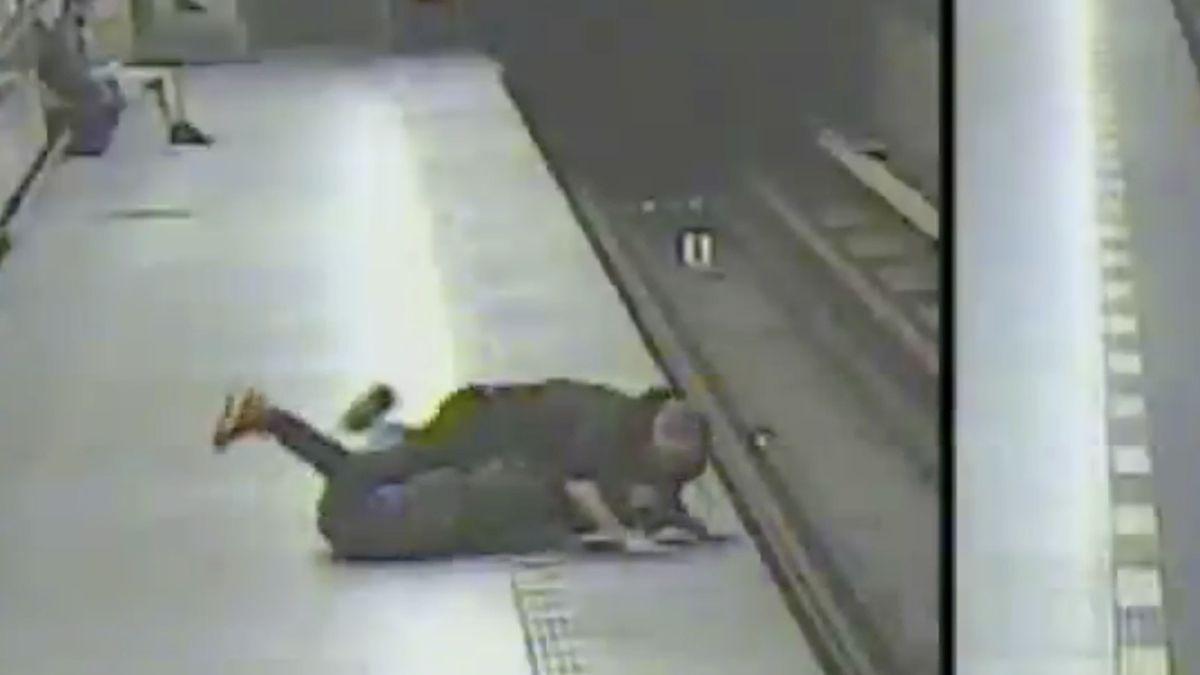 """""""Co čumíš?"""" A pak přišel bezdůvodný útok v pražském metru"""