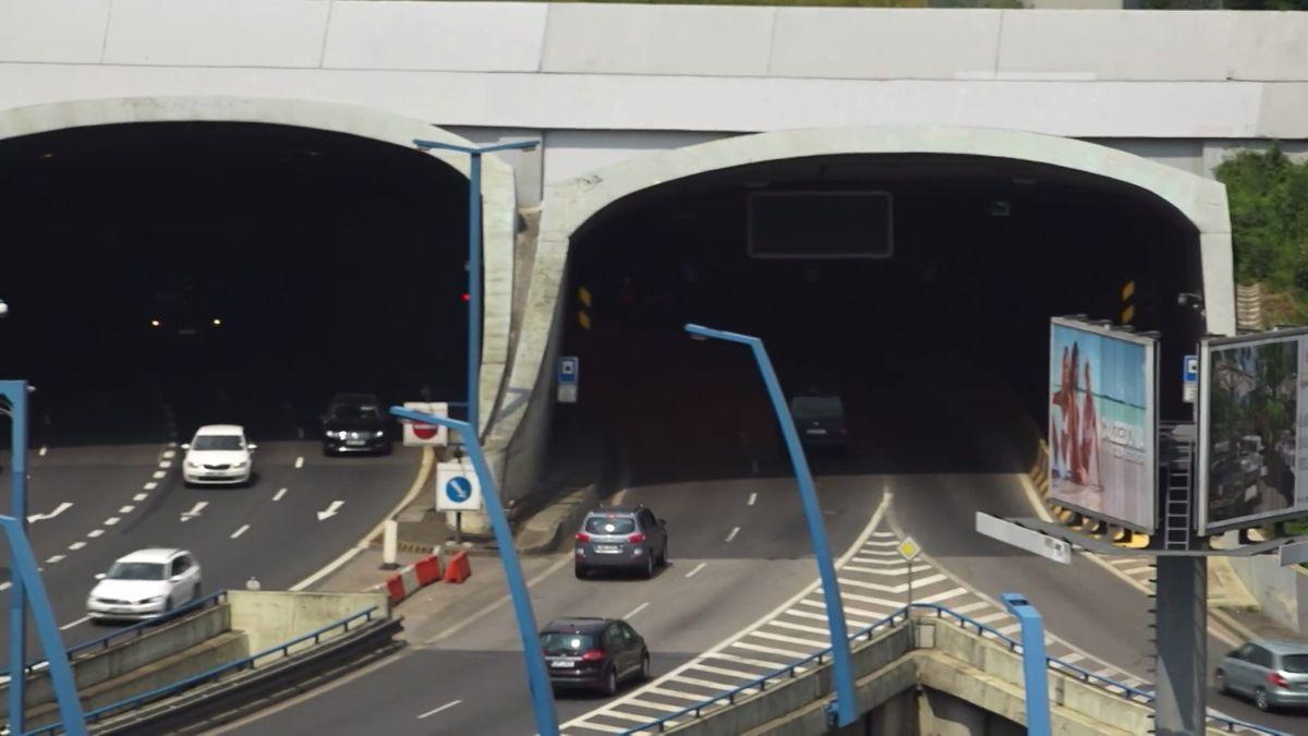 Praha má potíže s další stavbou. Strahovský tunel je nebezpečný