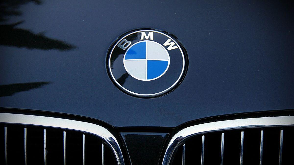 Evropská komise vyšetřuje několik automobilek kvůli emisím