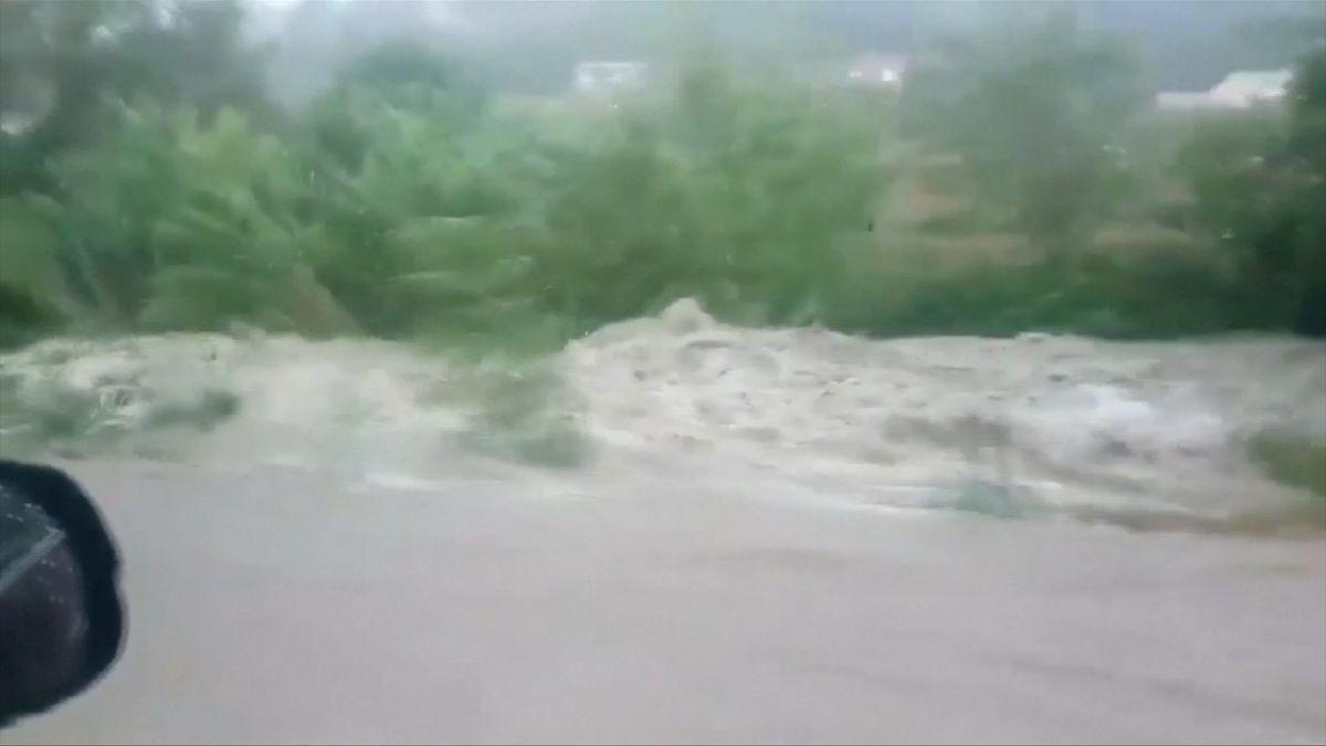 Kvůli záplavám ve Francii bylo evakuováno 1600 lidí. Jedna osoba se pohřešuje