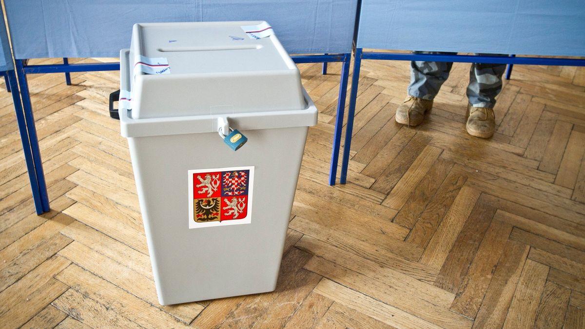 Nový návrh, jak dělat referendum: půl milionu podpisů a Ústavní soud jako záchranná brzda