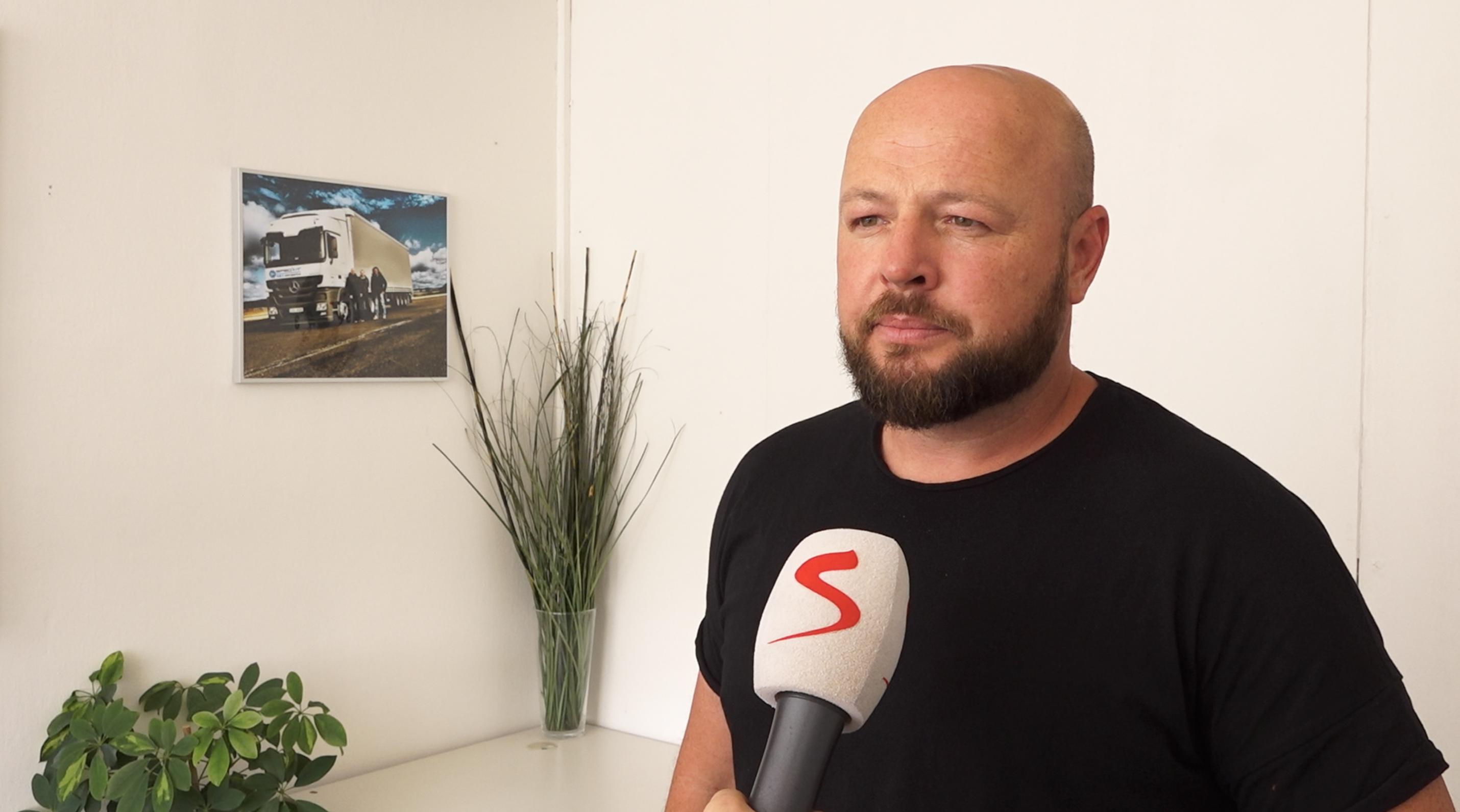 Svědectví českého řidiče z Janova: Má zlomený nos a pět žeber, ale cítí se v pohodě