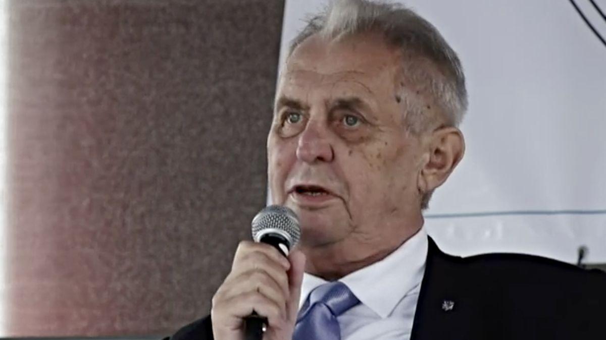 Udělám vše, aby prosazovatelé migrace do České republiky neuspěli, řekl Zeman v Bečově