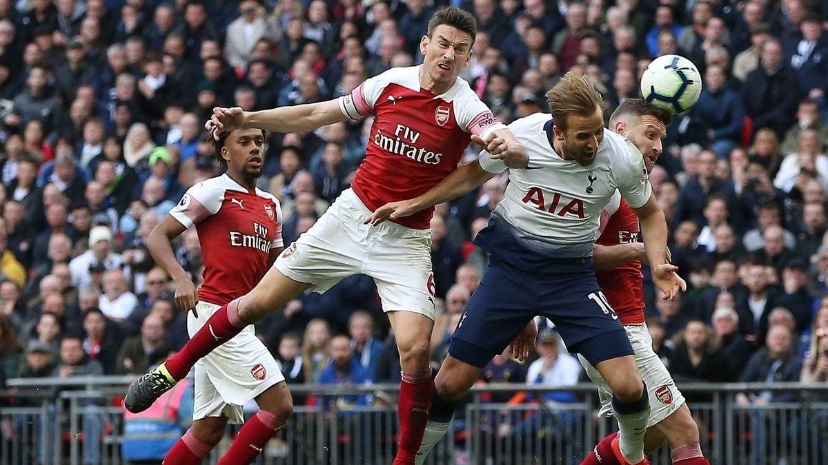 Soumrak hlavičkování ve fotbale? Britské celebrity chystají experiment