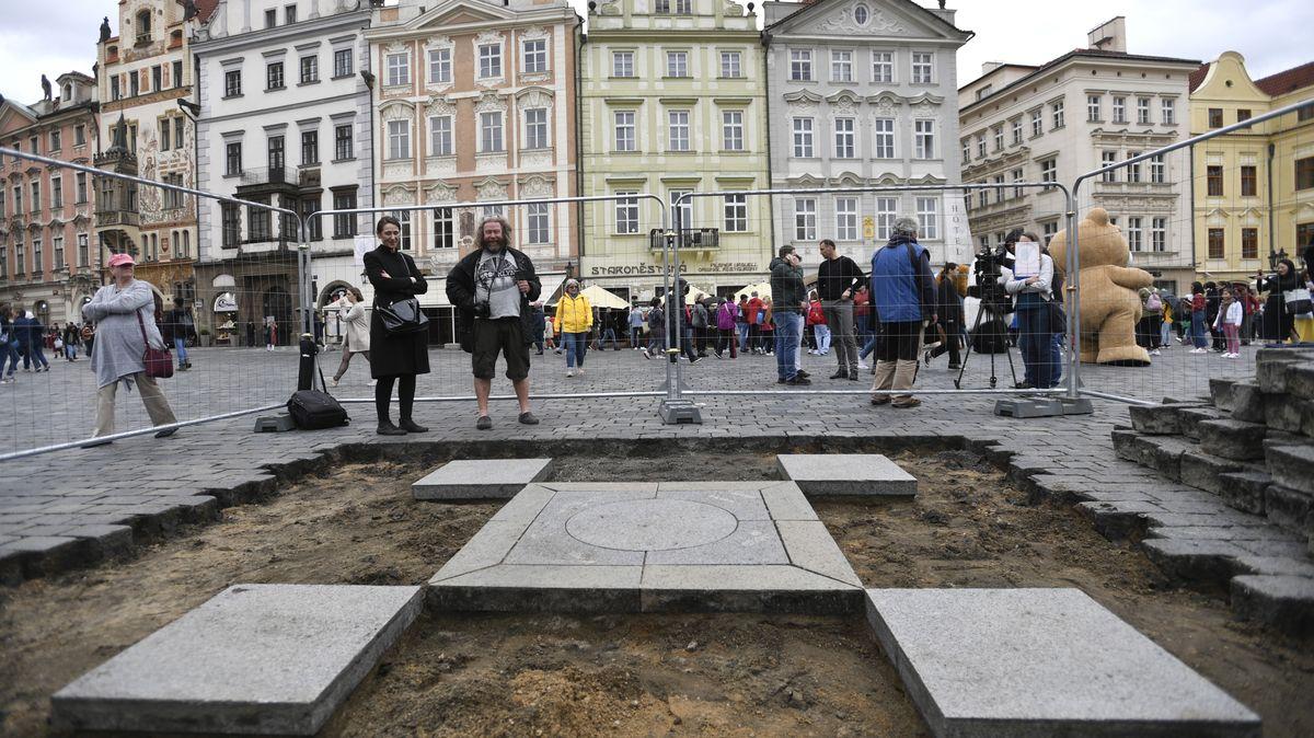 Mariánský sloup se vrátí na Staroměstské náměstí, rozhodla Praha