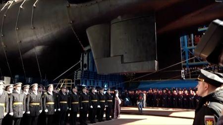 Rusko odhalilo nejdelší jadernou ponorku na světě. Má kdispozici ibezpilotní podvodnídrony
