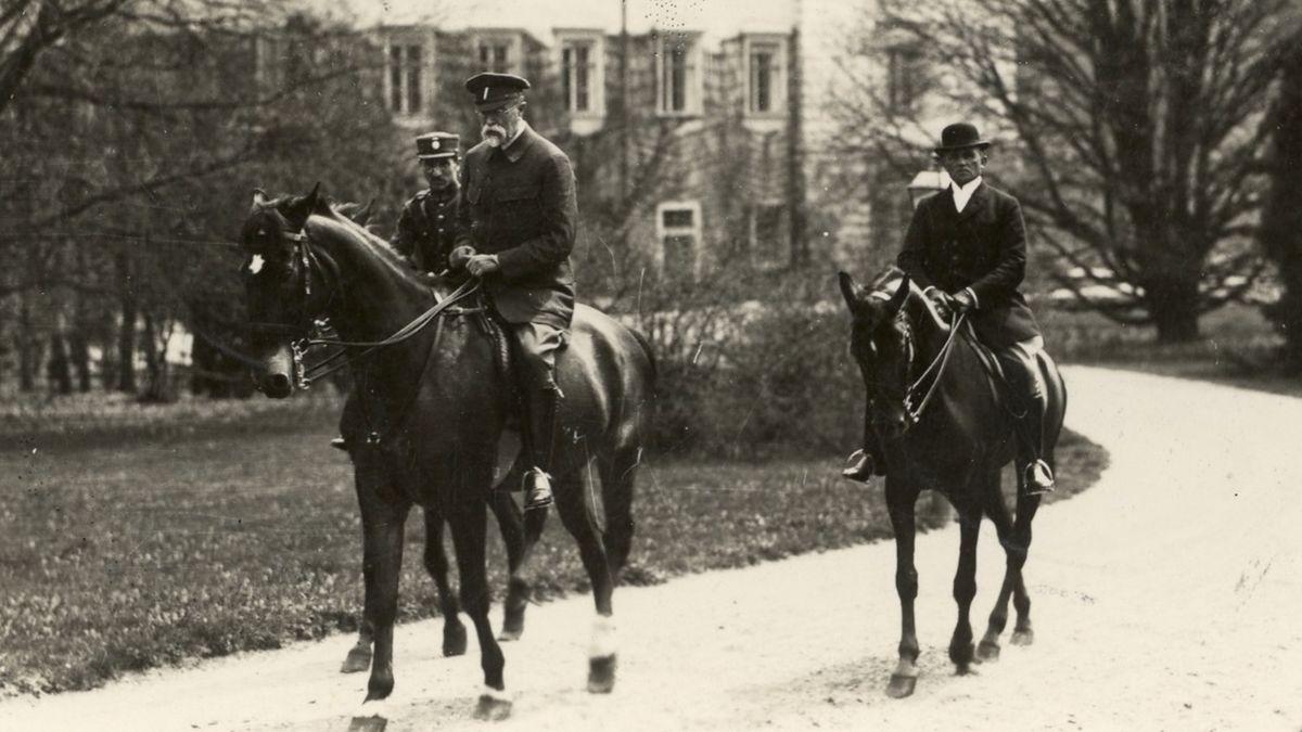 Tož budeme sedlat: Lány ovíkendu oslaví 169.výročí narození T. G. Masaryka