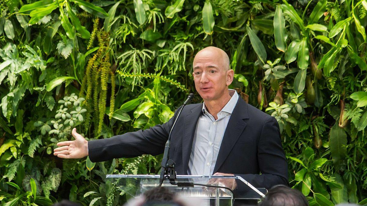 Raději si sedněte, vyzývá šéf Amazonu akcionáře. Chystá je na zklamání