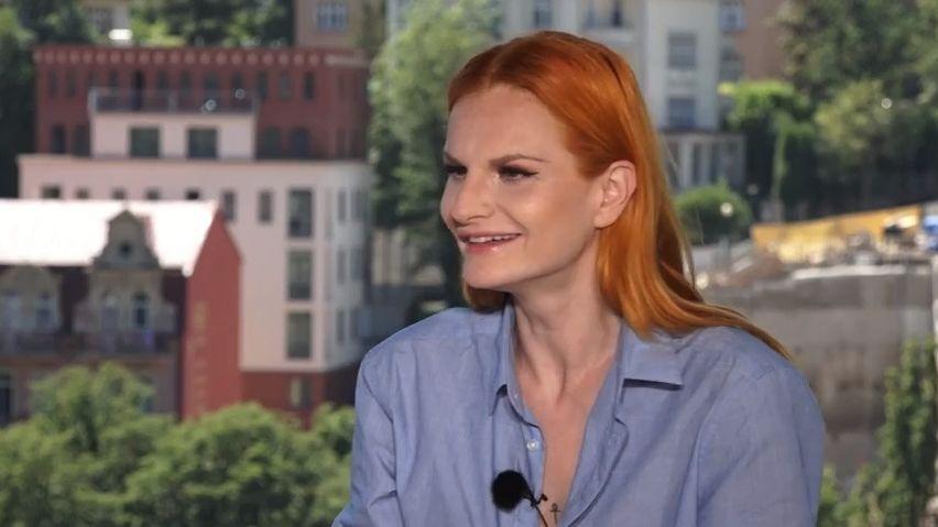 Iva Pazderková oLucii Bílé: Nesmírný talent, ale na jevišti mě odbourává