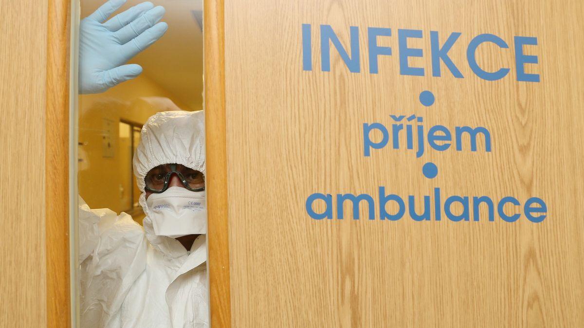 Infekční oddělení plní covid. Ředitel mluví odrastickém omezení provozu
