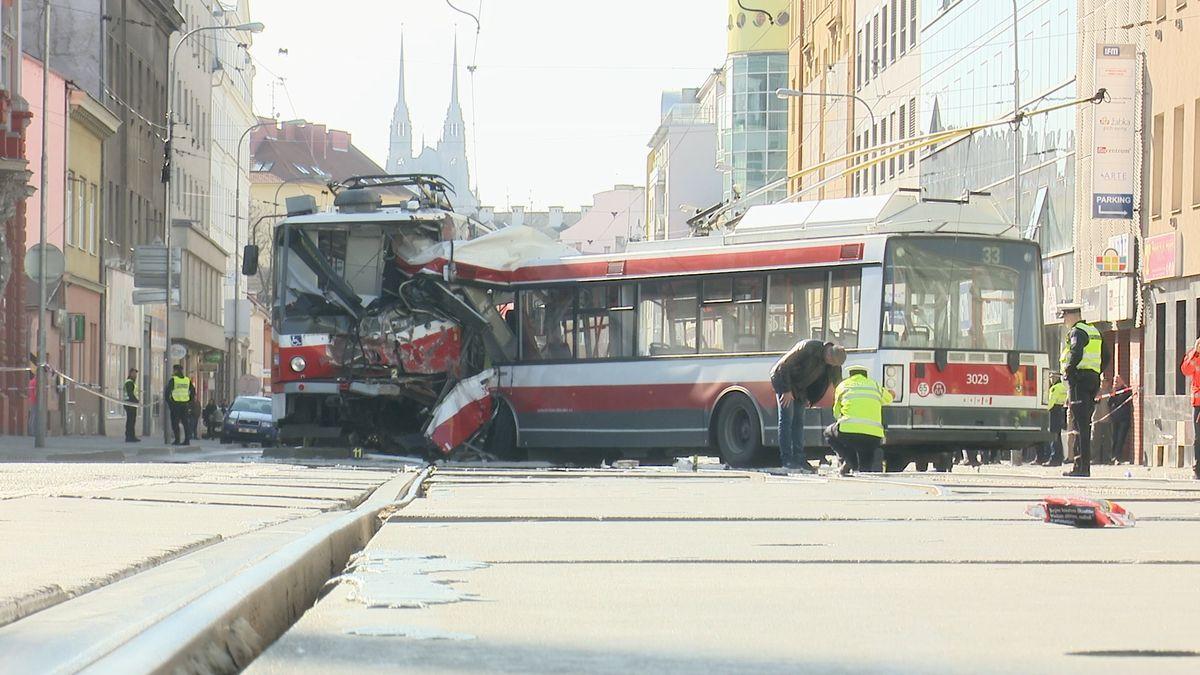 Nehoda trolejbusu vBrně může znamenat konečnou pro celou výrobní řadu. Po Česku jich jezdí desítky