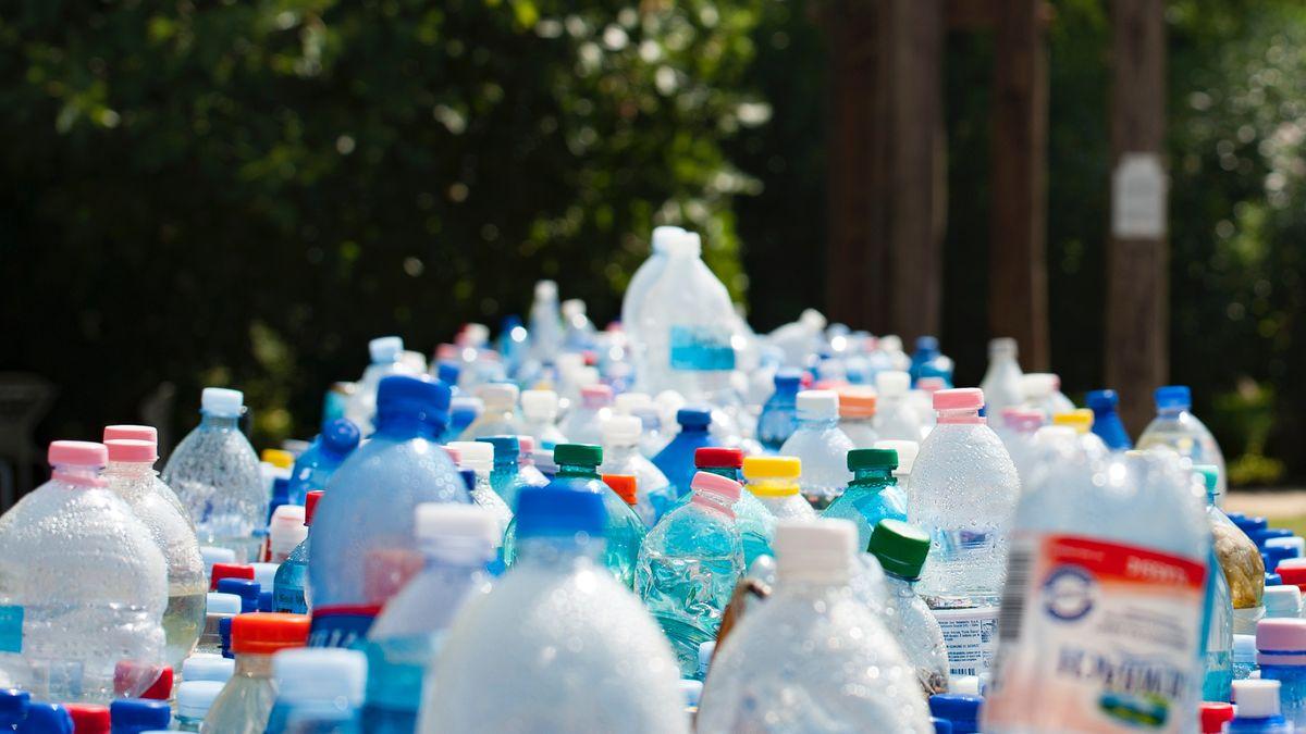 Konec jednorázových plastů. Státy EU formálně schválily novou směrnici