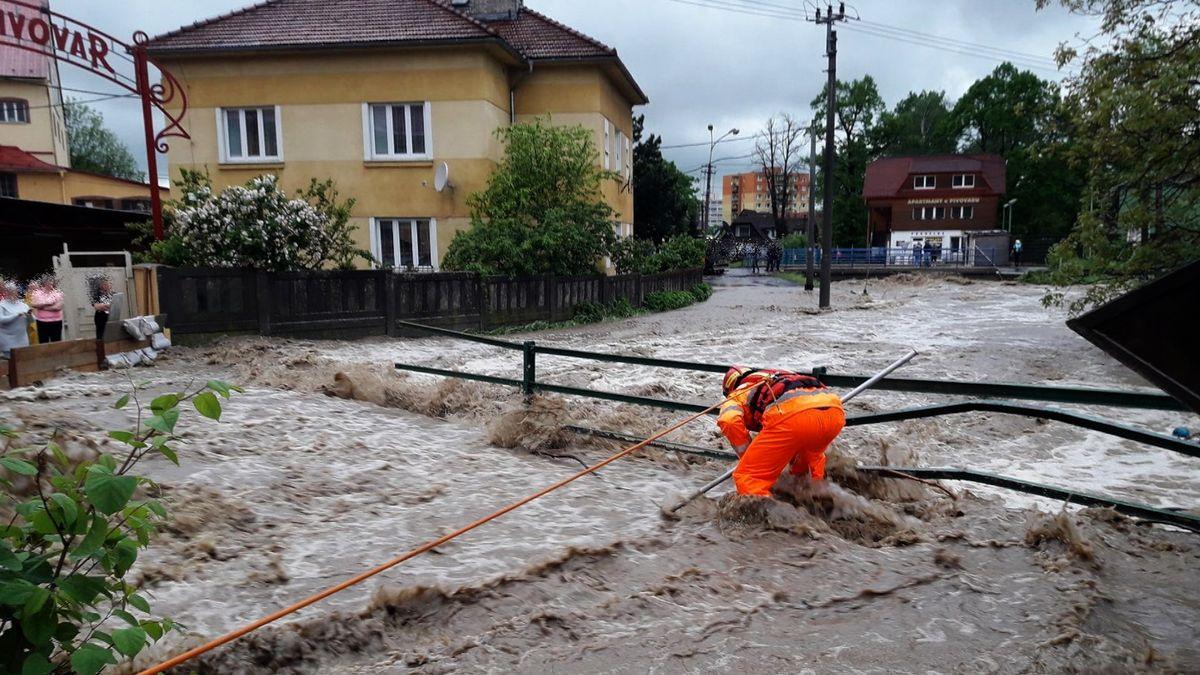 Desítky míst vČesku hlásí povodňový stav
