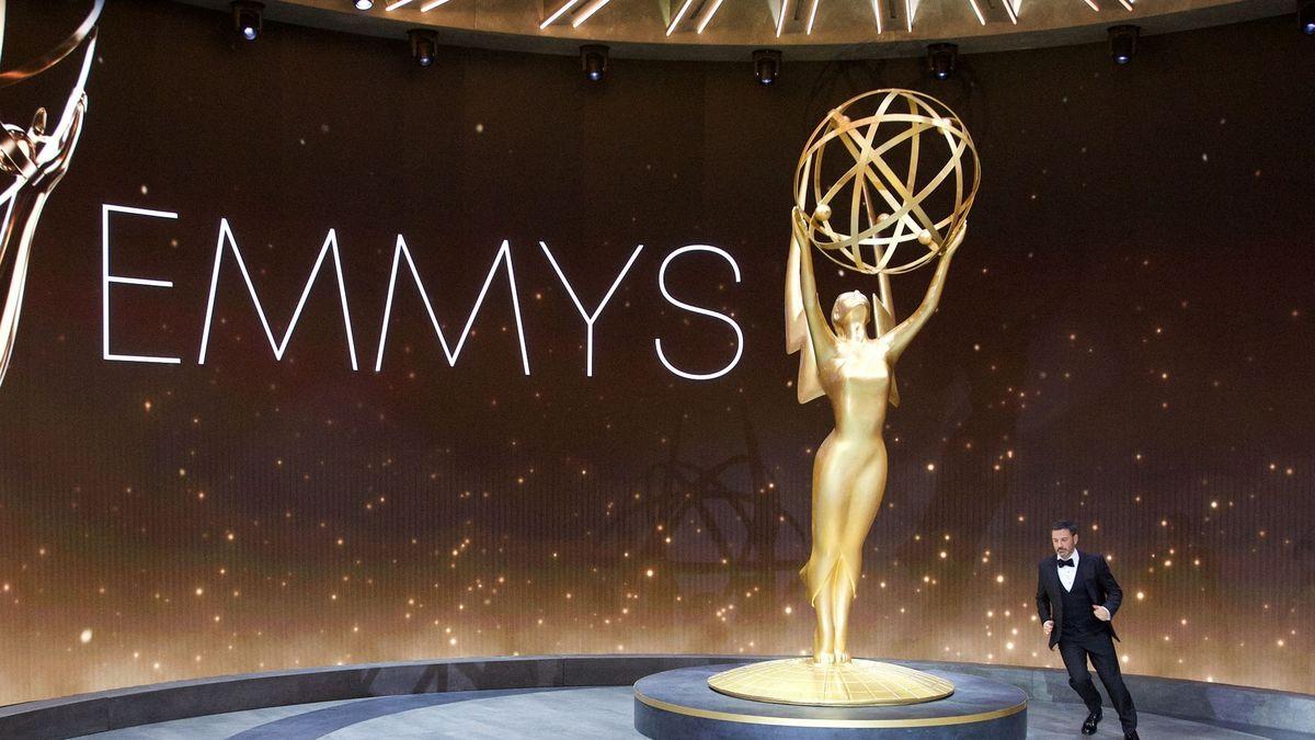 Televizní Emmy ovládl seriál Watchmen, ceny se letos udílely na dálku