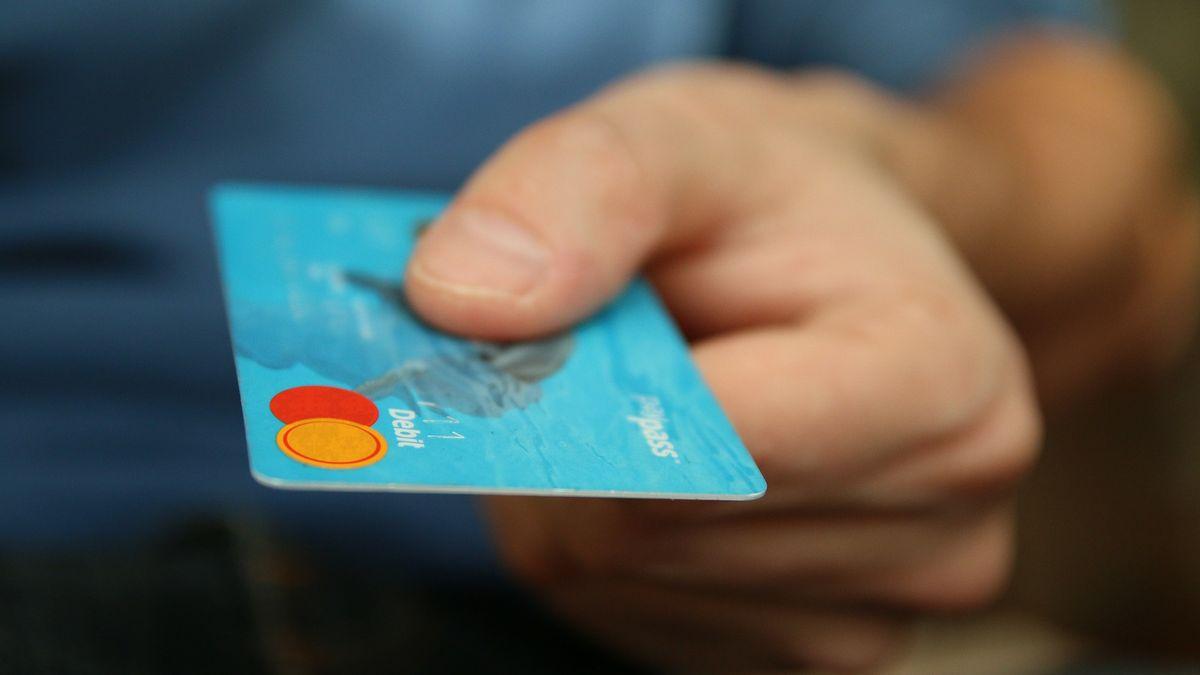 Zprávy z hlavy: Finanční tajemství je učeských párů běžné, skrývají se ipředražené půjčky