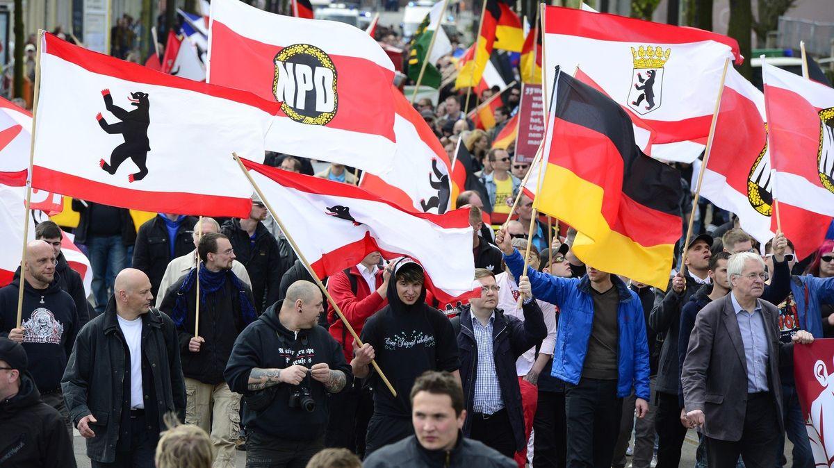 Němečtí neonacisté jezdí cvičit na střelnice do Česka