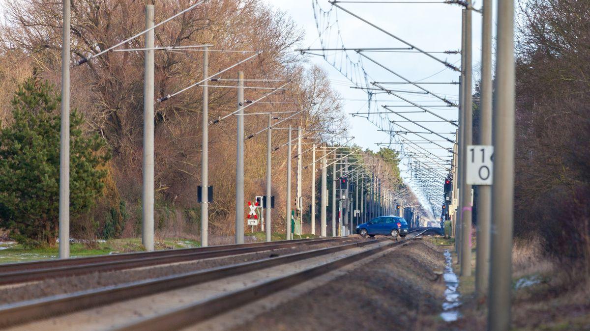 Železniční trať mezi Karlštejnem a Černošicemi čeká rekonstrukce