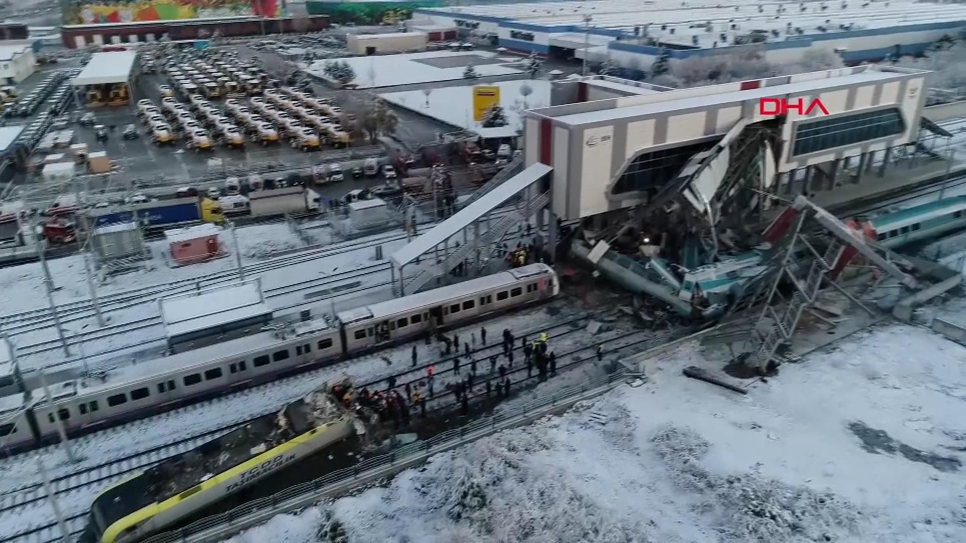 Po nehodě vysokorychlostního vlaku vAnkaře nejméně 9mrtvých a 47zraněných