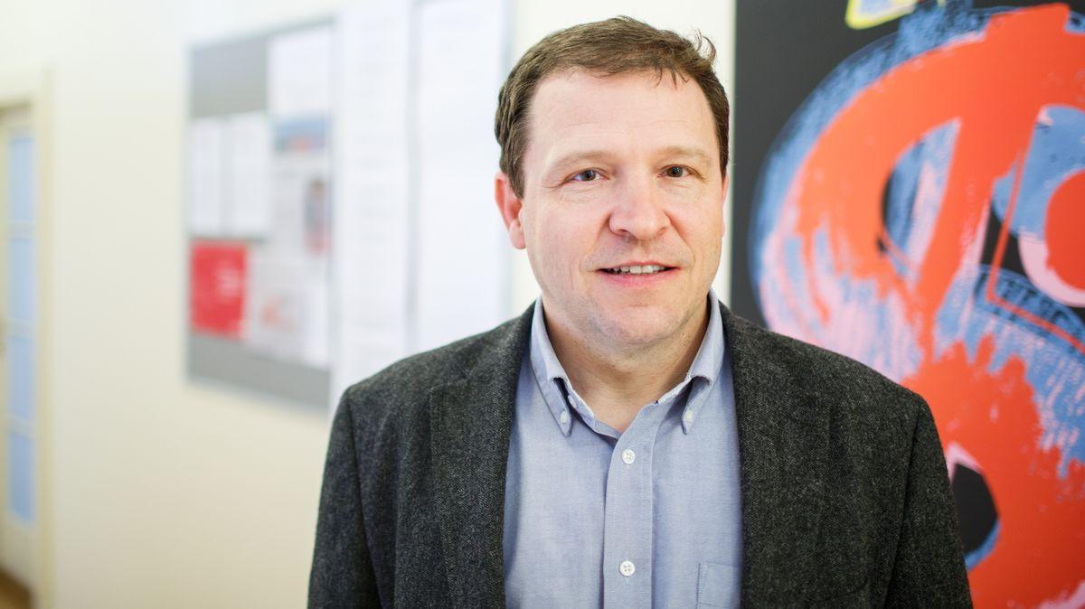 Vláda nemá žádné analýzy oepidemii, řídí se jen intuicí, říká Münich