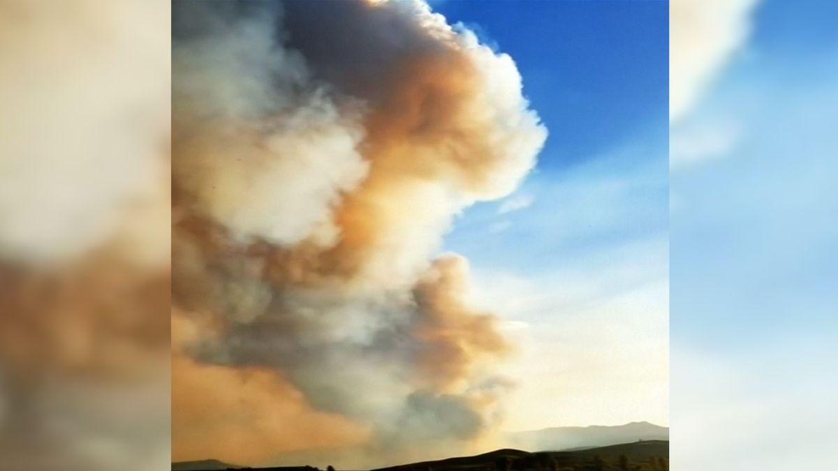 Požár ve Wyomingu zablokoval dopravní tepnu kparku Yellowstone