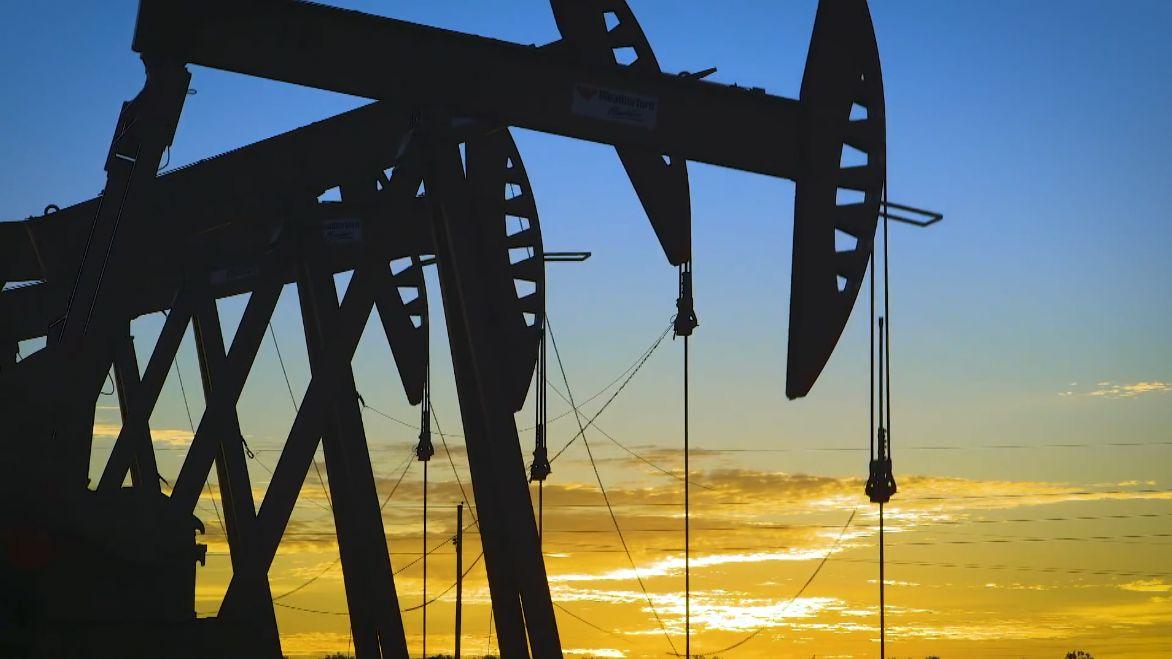 Obří transakce ropných gigantů vUSA za tři čtvrtě bilionu. Chevron kupuje svého rivala