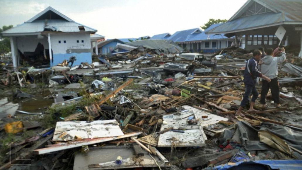 Nové záběry. Silná zemětřesení a třímetrovou tsunami vIndonésii nepřežilo 384lidí, počty nejsou konečné