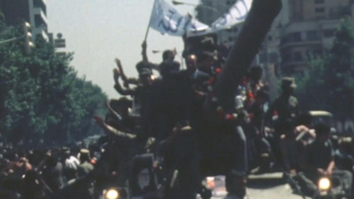Írán slaví výročí revoluce. Zvězení vyjde až 50tisíc lidí