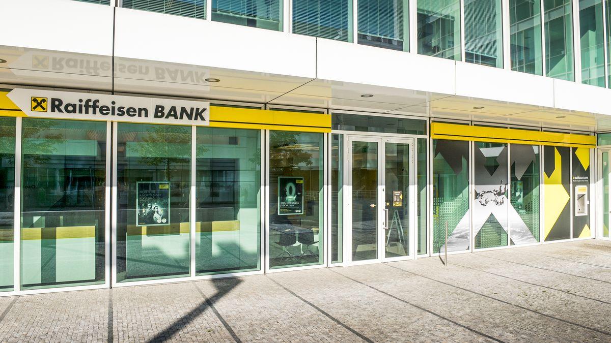 Raiffeisenbank klesl čistý zisk odevět procent na 808milionů korun