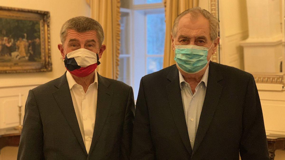 """""""Pan prezident je vklidu."""" Zeman iBabiš se vyhýbají testu na koronavirus"""