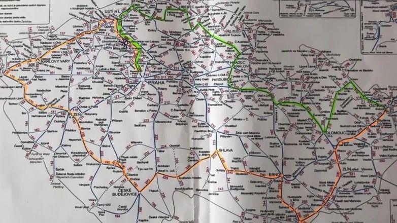 Cestovatelé objeli vlakem celou republiku. Stihnout se to dá jen jedním směrem